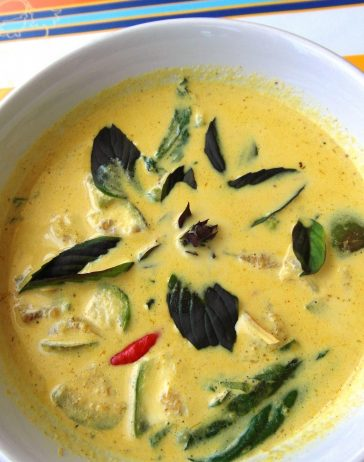 A Delicious Healthy Thai Tofu Curry